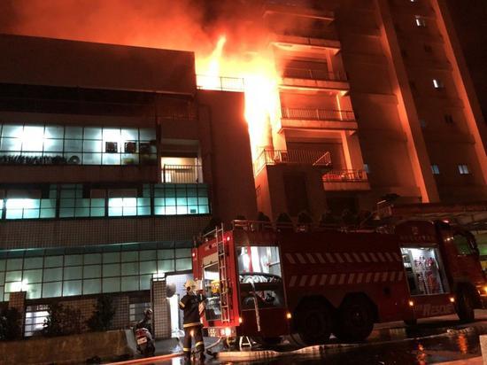 大火现场。(图片来源:台湾《联合报》)