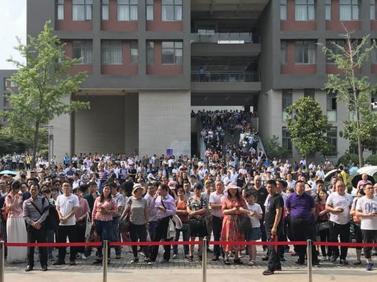 南大2018自主招生开考。扬子晚报网 图