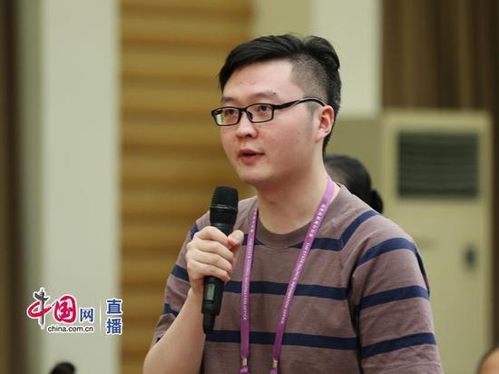 中国日报记者提问中国网 宗超 摄