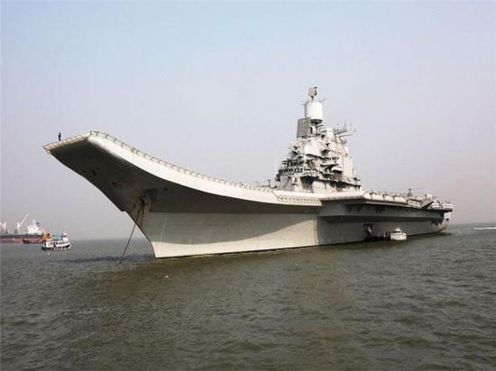 """圖?印度海軍""""超日王""""號航母"""