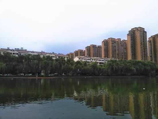 曾经的古城乡焦屯村,如今高楼林立。