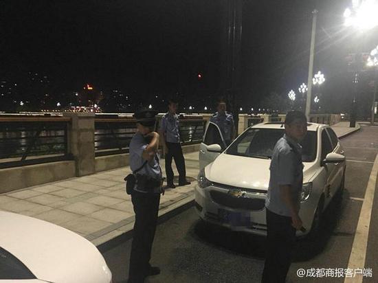 男子被前女友拒见面后欲轻生 17名民警搜索4小时