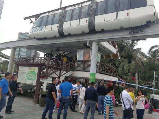 视频|突发!深圳欢乐谷观光列车相撞致多人受伤
