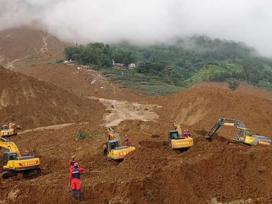 贵州滑坡致20死