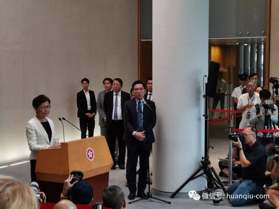 林郑月娥上午正在记者会上。本文图/全球时报特派喷鼻港记者王聪 杨降 摄