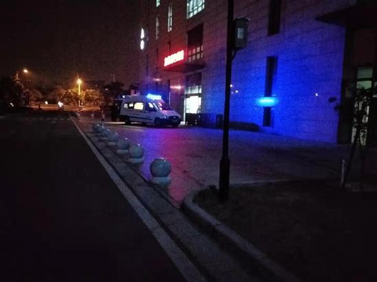 无锡市第两群众病院东院区抢救中间。 新京报记者 康佳 摄