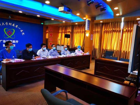 钟南山:当务之急要鉴别流感和新冠肺炎图片