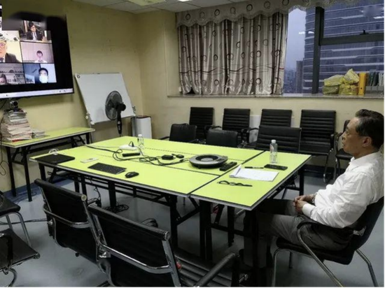 3月28日,钟南山等中国专家与欧洲专家举行视频研讨