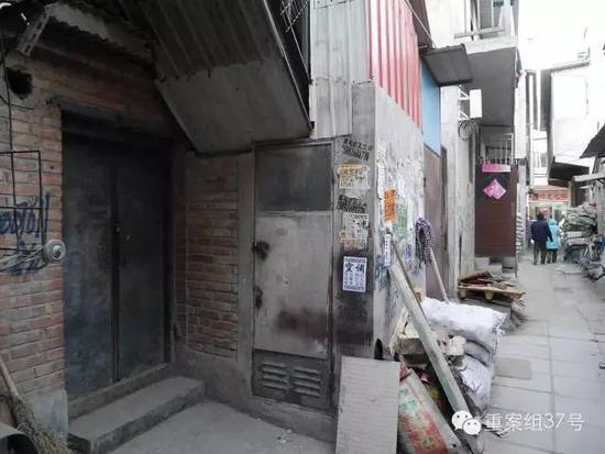 ▲朝阳一处平房区,发现死亡女婴的房屋大门紧闭。新京报记者 王嘉宁 摄
