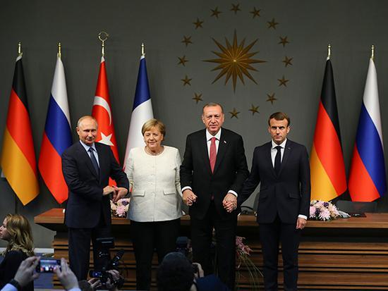 """当地时间2018年10月27日,土耳其伊斯坦布尔,土耳其将举办叙利亚问题土、俄、法、德""""四方峰会""""。此次峰会将试图找到叙利亚内战的持久性政治解决方案。视觉中国 图"""