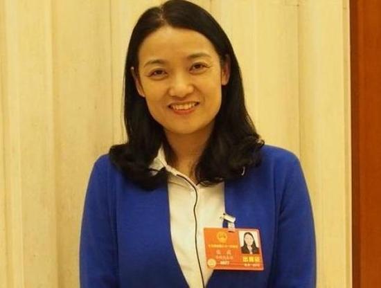 全国人大代表、安徽省兽药饲料监察所副所长张莉。