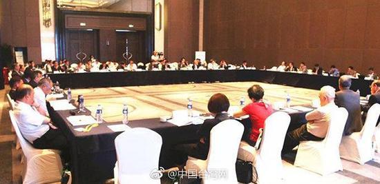 首届国家统一与民族复兴研讨会在武汉举办。