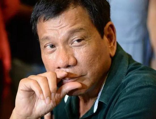 """圖爲用死刑震懾本國毒販,而遭到""""人權組織""""圍攻的菲律賓總統杜特爾特"""