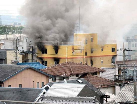 日本京都火灾:男子边纵火边喊去死 约20人仍失联 反社会人格吧,不知道为什么纵火,话说京都动画不需要