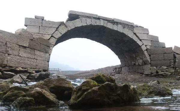 千年古村埋在水底 56年后重见天日