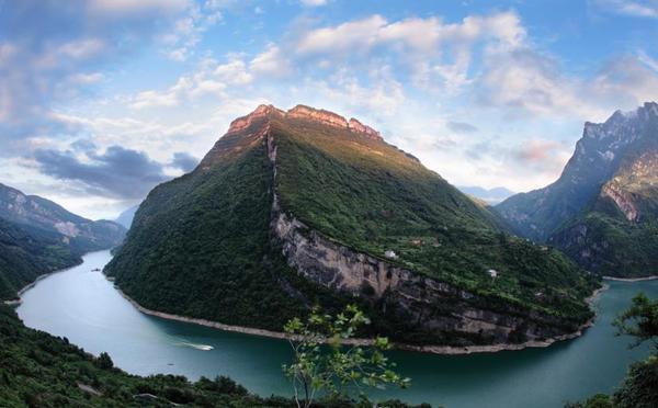 长阳清江国家地质公园揭牌开园 美若仙境