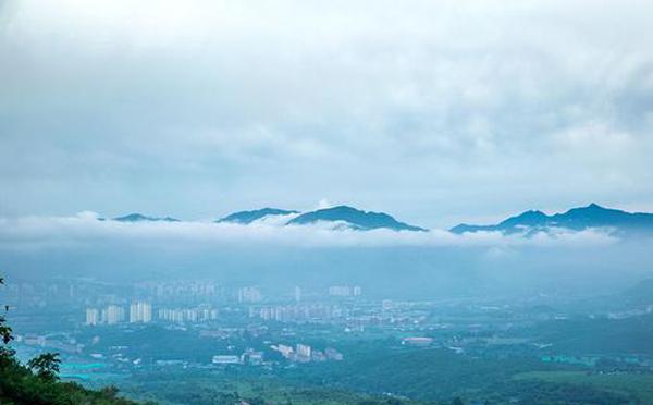 清晨云海 傍晚红霞 北京西山一日两景