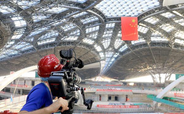 中外媒体记者点赞北京新机场