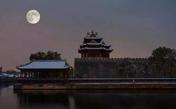 故宫94年来首次夜间开放