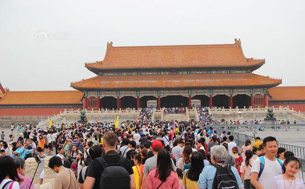 北京暑期各景点迎旅游客流高峰