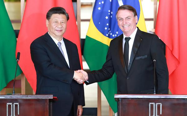 习近平同巴西总统博索纳罗会谈