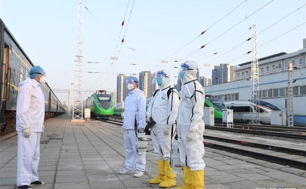 北京:加强列车卫生消毒 守护旅客出行安全