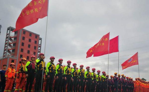 浙江消防调集345名指战员驰援江西抗洪