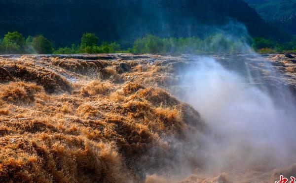黄河壶口瀑布迎来观赏旺季