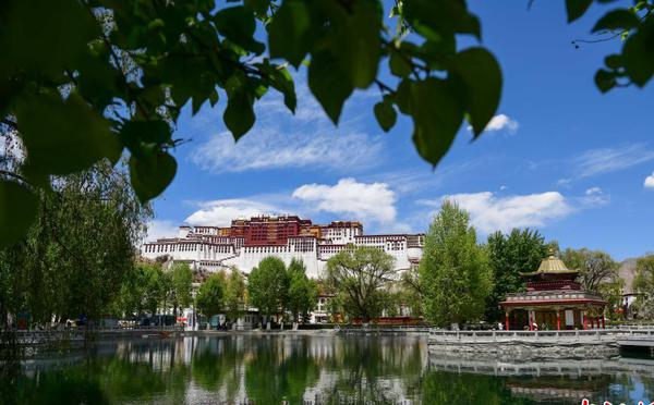 """""""五一""""将至 西藏旅游预计将迎来小高潮"""