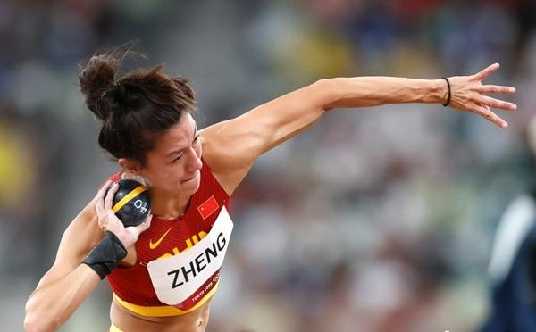 中国选手郑妮娜力出战奥运会女子七项全能
