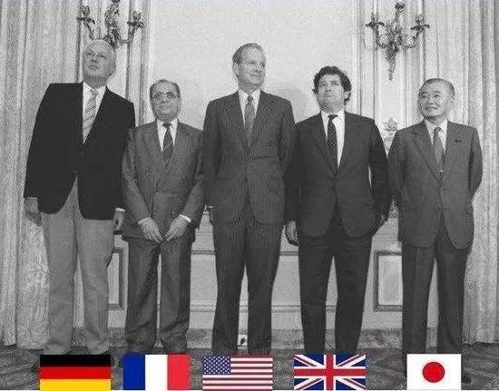 """任期最长首相黯然谢幕 日本能否追回""""失去的30年"""""""