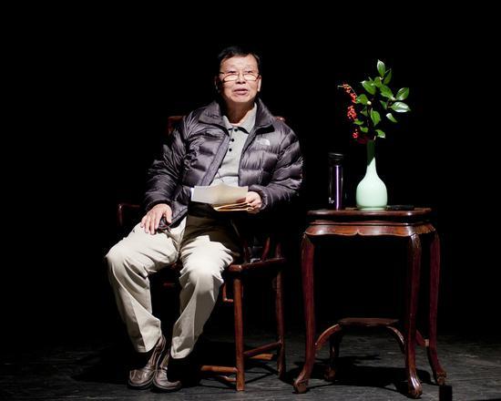 摩登4平台的剧作家摩登4平台王仁杰先生走图片