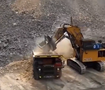 挖掘机一铲60吨