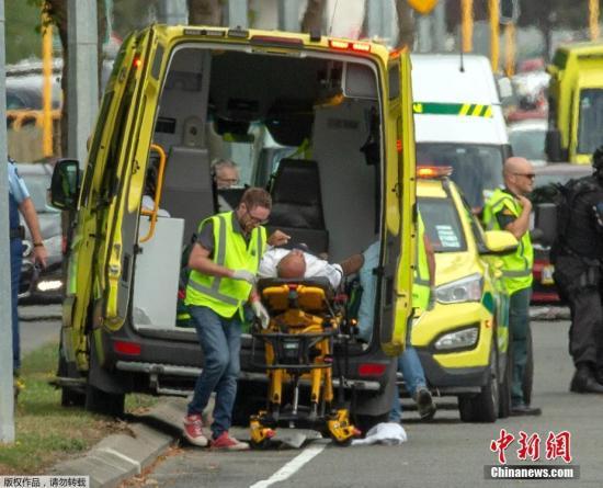 當地時間3月15日,新西蘭克賴斯特徹奇兩座清真寺及一間醫院外發生槍擊事件。據外媒稱,截至目前已造成至少49人死亡