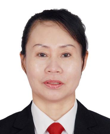 北票市人民法院副院长  肖阳,女,53岁,在职研究生,四级高级法官,现任