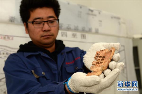 武汉订正确诊病亡人员数据:死亡数核增1290例
