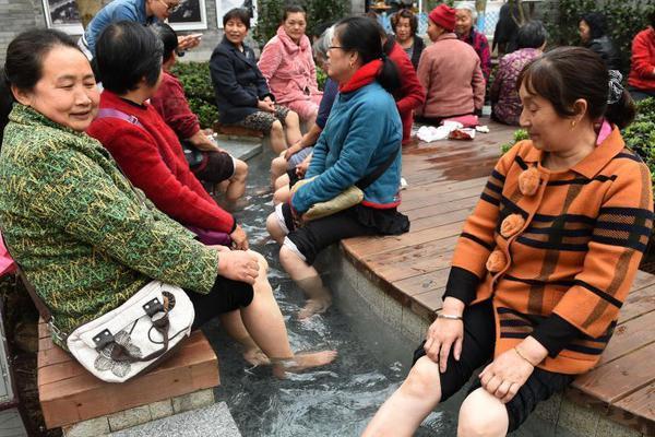 五一热门旅游城市晴雨表出炉 深圳成都雨水打卡四天