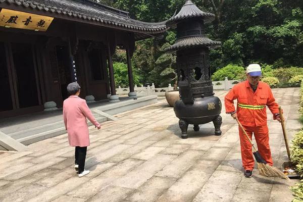 60岁的唐僧徐少华四处走穴_福彩纽约三分彩