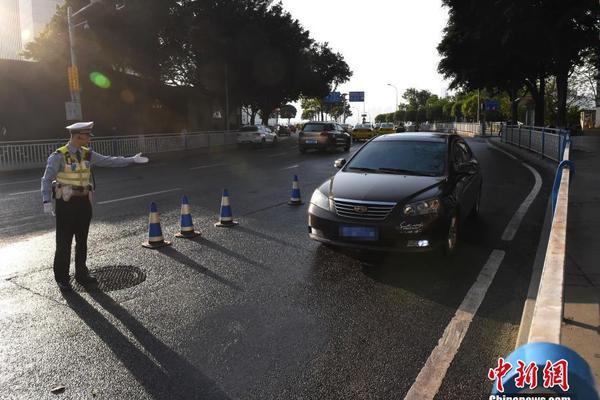 滴滴在京沪等地招募货车和司机 提供按需物流服务