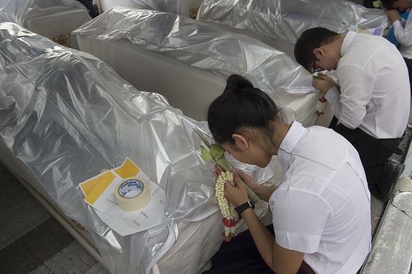 雷克萨斯拟在中国等地推出首款纯电动车_三分彩全天计划一期