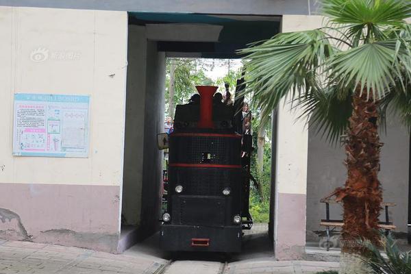 vertical platform lift singapore