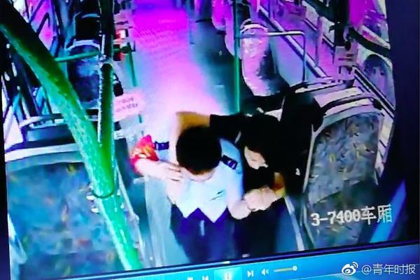 6岁男童服务区上厕所 结果妈妈一脚油门驶离