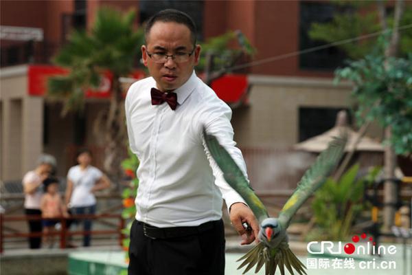 北京中小学6月开学后 师生上课仍需戴口罩