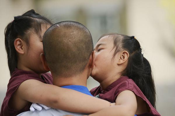 中国少儿足球比赛收米直播