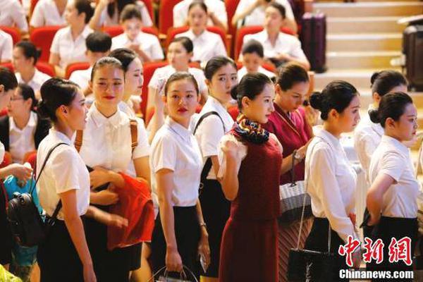"""蓝庆新:在""""一带一路""""建设中共享发展经验"""