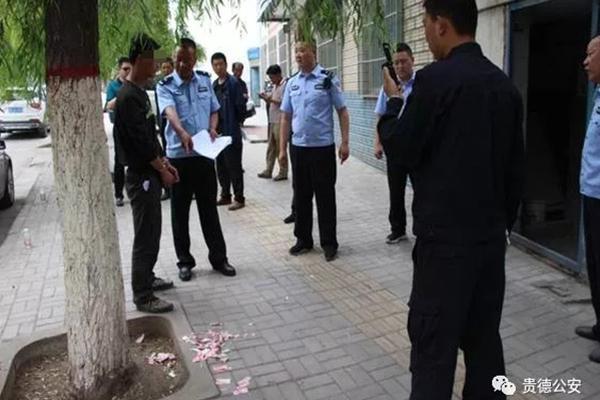习近平回信勉励武汉东湖新城全体社区工作者