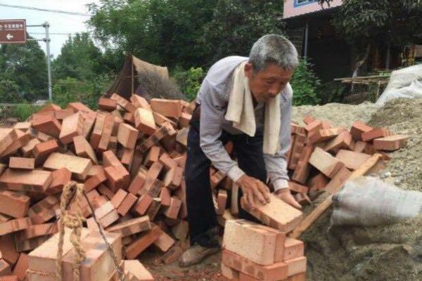 北京社区封闭管理,老旧小区物业缺失管理遭考验