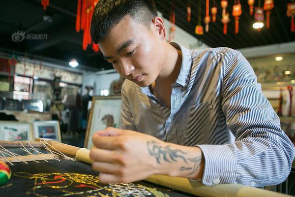 中国男人为何喜欢留八字胡