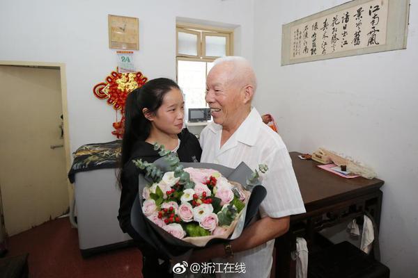 【拼多多试用后要归还吗】从1949到2019 中国人的70个五一假期是这么过的