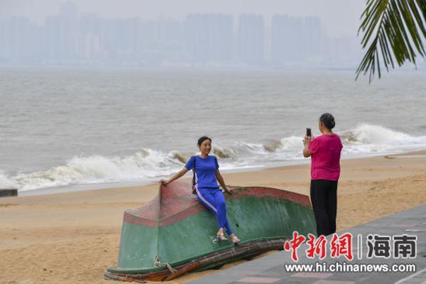 天津汉沽街市民连夜核酸检测,今早8点已达5.1万人